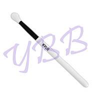 Кисть Kylie Cosmetics Large Fluffy Blending Brush