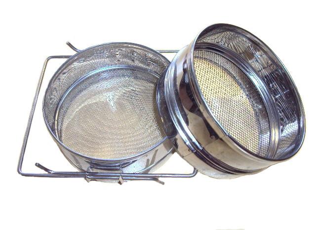Фильтр для мёда D-300 мм нержавеющий двухсекционный плоский
