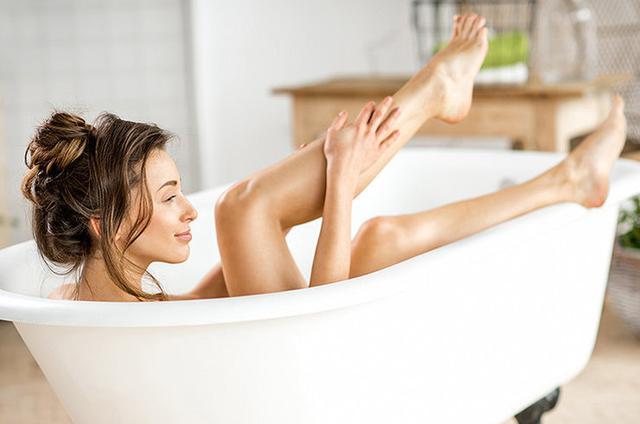 Все будет гладко: 10 хитростей для тех, кто хочет брить ноги реже