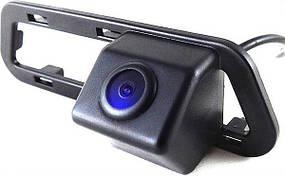 Штатная камера заднего вида Falcon SC87HCCD-170-R. Nissan 2012 Tiida