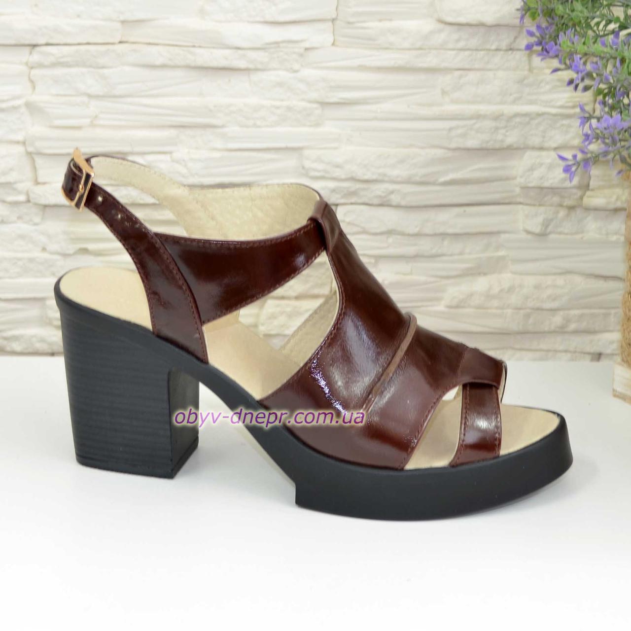 Кожаные  коричневые женские босоножки на широком устойчивом каблуке