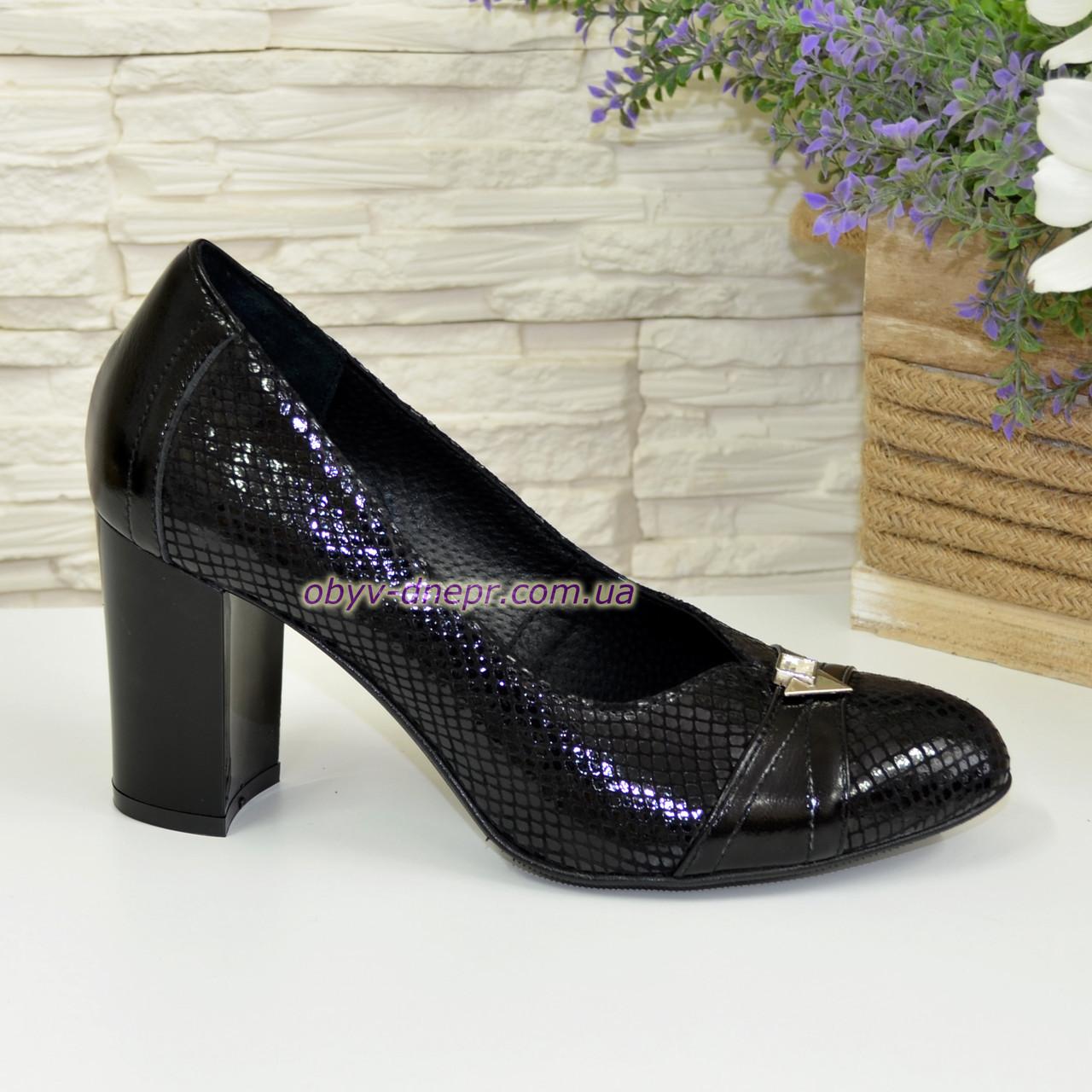 Туфли женские на высоком каблуке, натуральный лак и замш