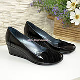 Женские черные туфли на танкетке, натуральная лаковая кожа и замша, фото 4