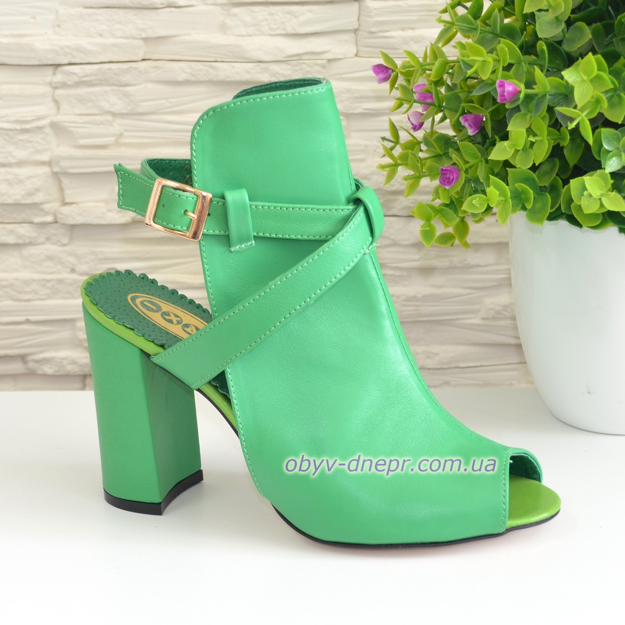 Женские зеленые кожаные босоножки на высоком устойчивом каблуке, фото 1