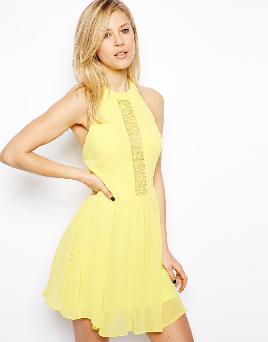 Желтое платье с кружевом и красивой спинкой ASOS