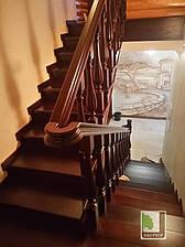 Дерев'яні сходи під ключ на металевому каркасі