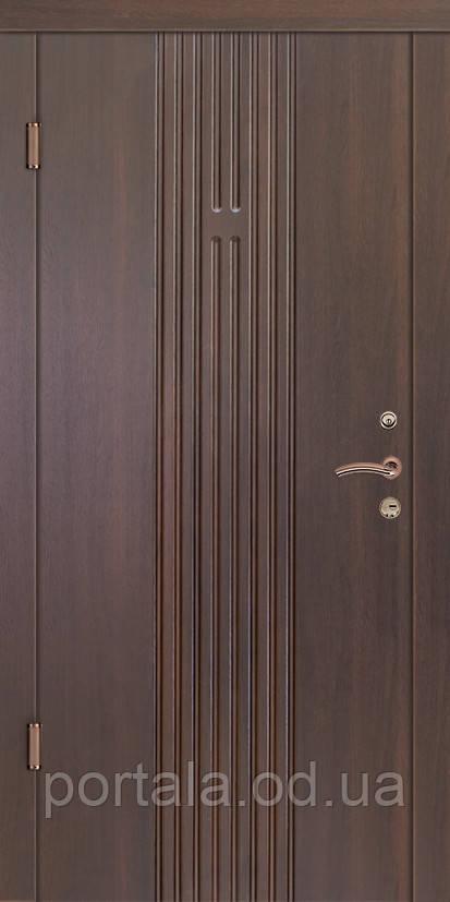 """Входная дверь для квартиры """"Портала"""" (серия Комфорт) ― модель Лайн 2"""