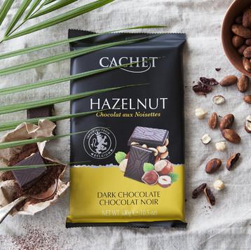 Шоколад Cachet черный 54% какао с фундуком 300г