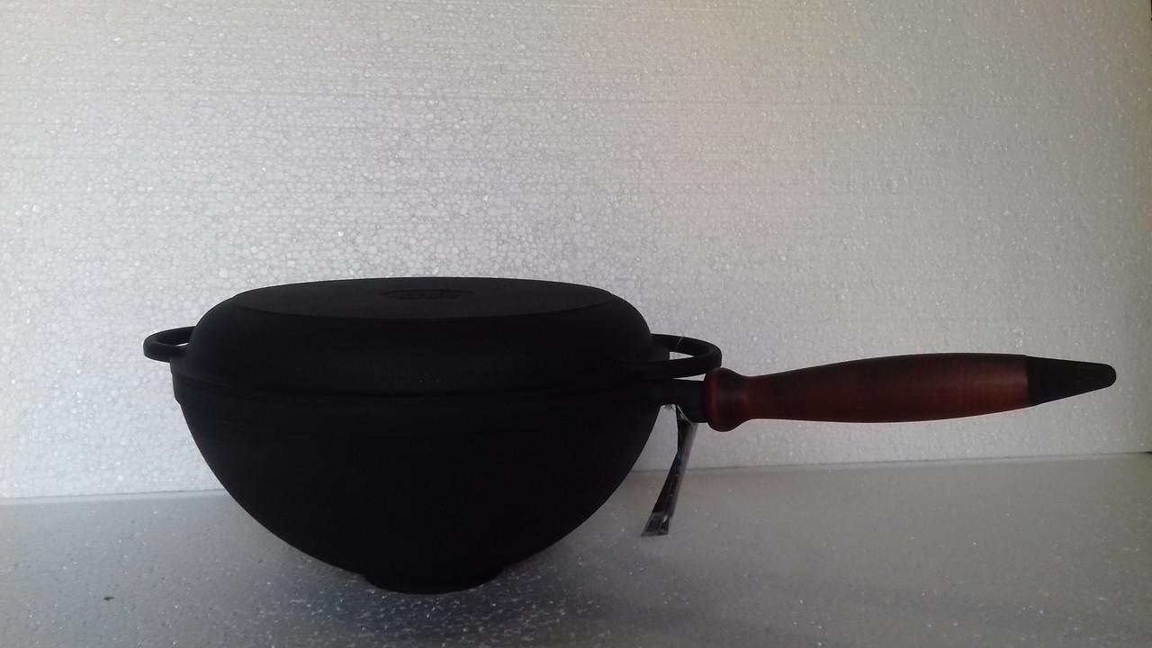 Объем 3,5 литров. Казан чугунный (кастрюля WOK)с деревянной ручкой и чугунной крышкой-сковородой.