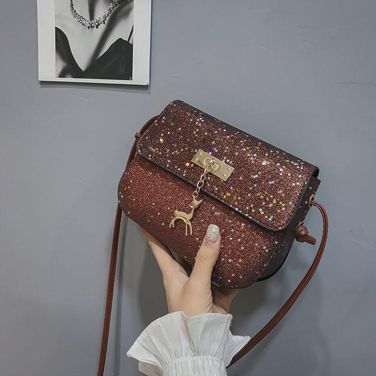 175d64203193 Блестящая коричневая мини сумочка с оленем Melani через плечо ...