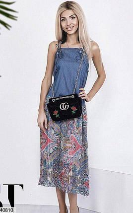 Стильное платье миди прямого кроя бретельки синее с принтом, фото 2