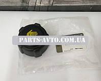 Крышка бачка расширительного Renault Duster (Original 8200048024)
