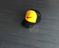 Кепка траккер Nike черно-желтая