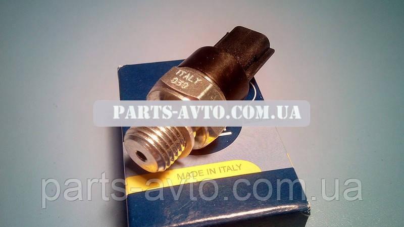 Датчик тиску масла Renault Duster (FACET 7.0181)