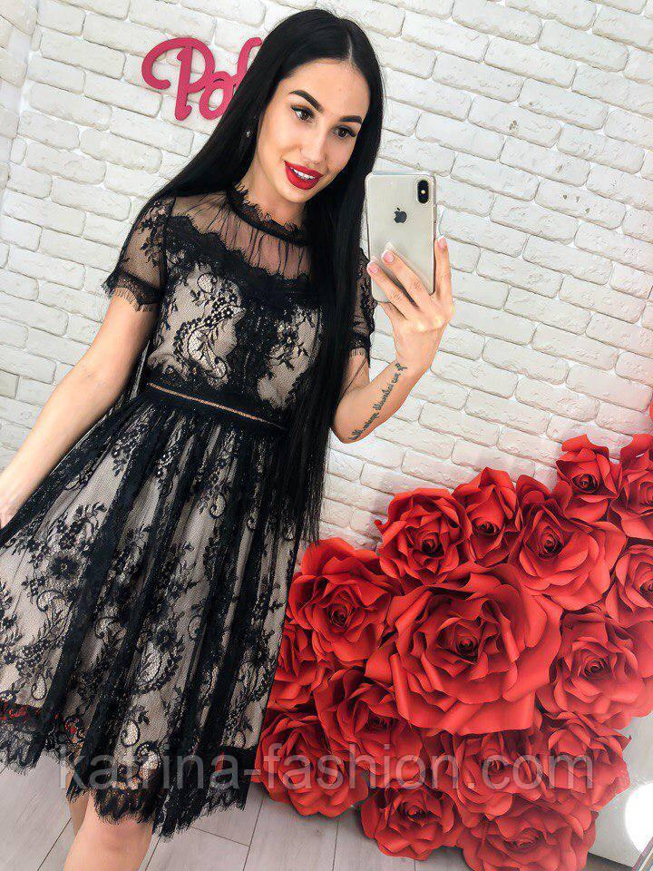 Женское красивое кружевное платье