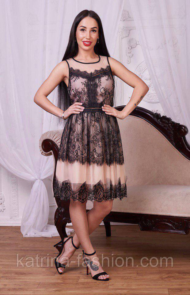 Женское платье из фатина с кружевом