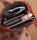 Жіноча сумочка в червоному кольорі. Стильна сумочка. Невелика сумочка через плече., фото 2