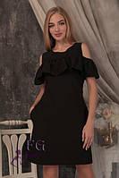 Короткое летнее свободное платье с пышным воланомчерного цвета