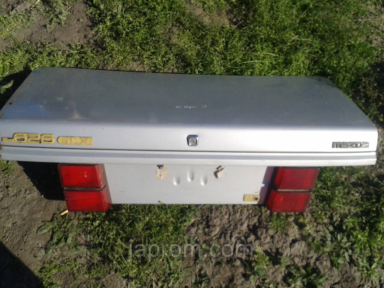 Крышка багажника Mazda 626 GC 1984-1987г.в. седан серебро