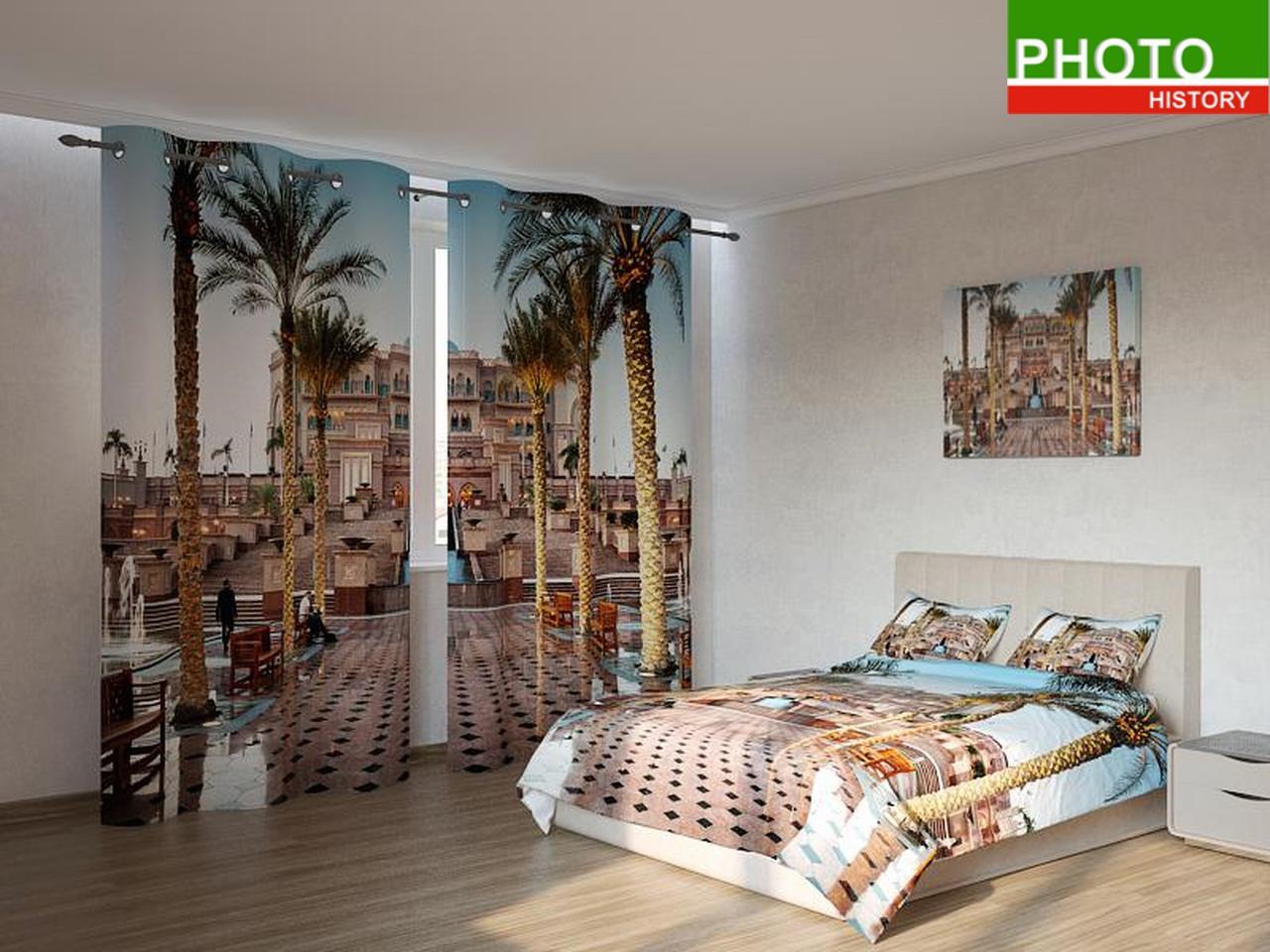Фотокомплекты пальмы перед дворцом