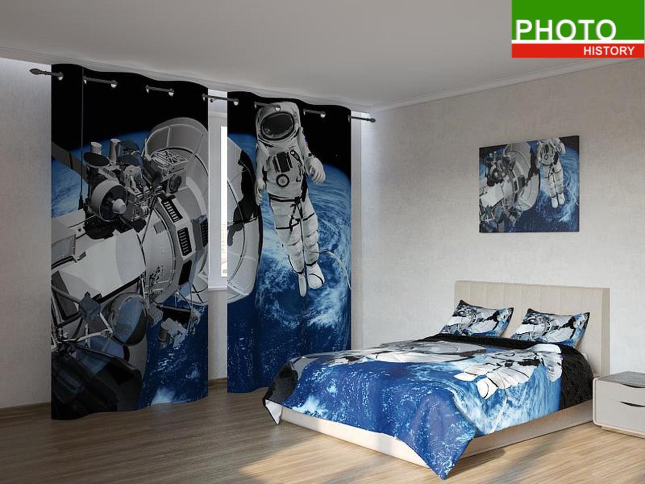 Фотокомплекты космонавт в космосе