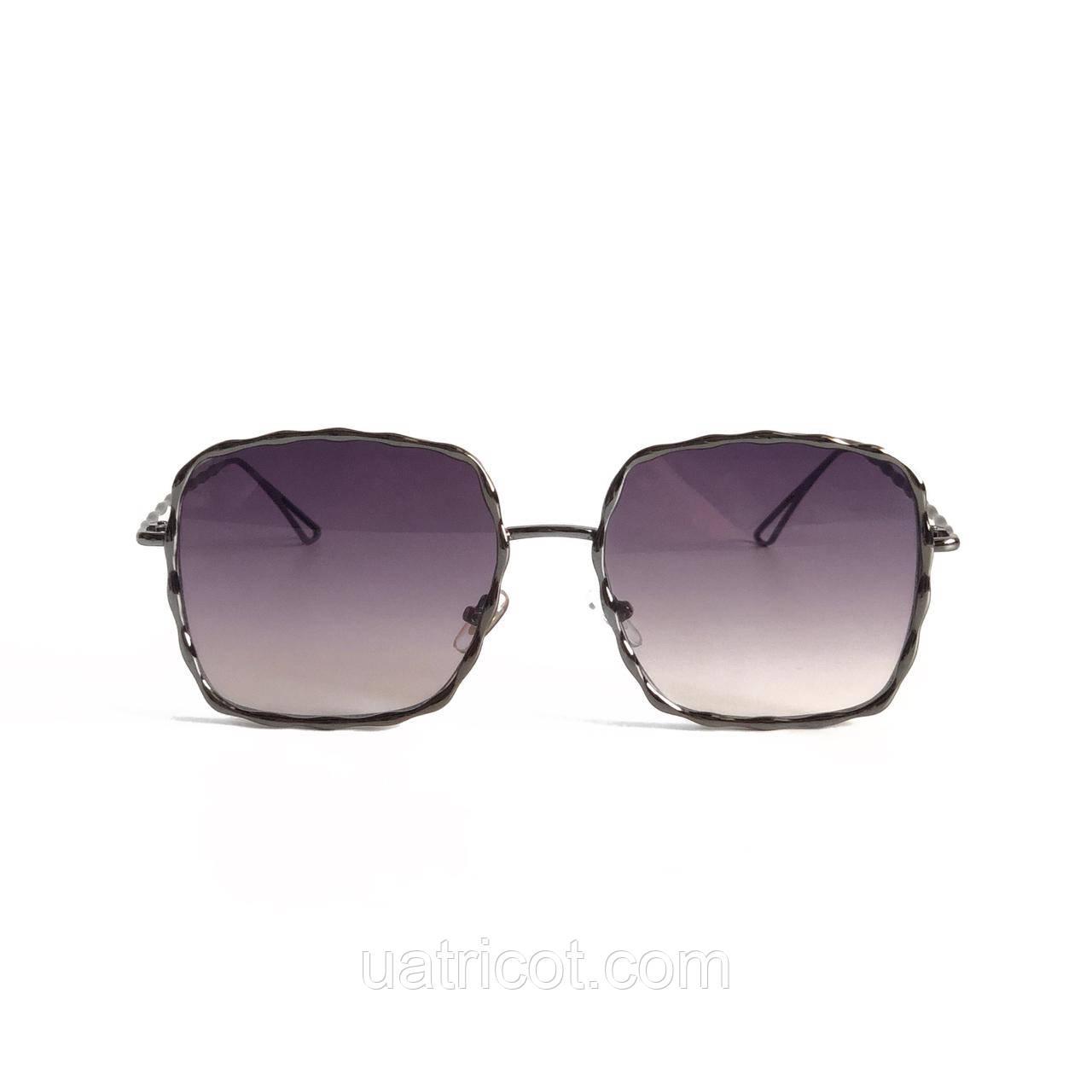 Женские квадратные солнцезащитные очки в металлическом плетении со смоки линзой