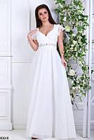 Шикарное платье в пол глубокое декольте от груди свободное камни белое