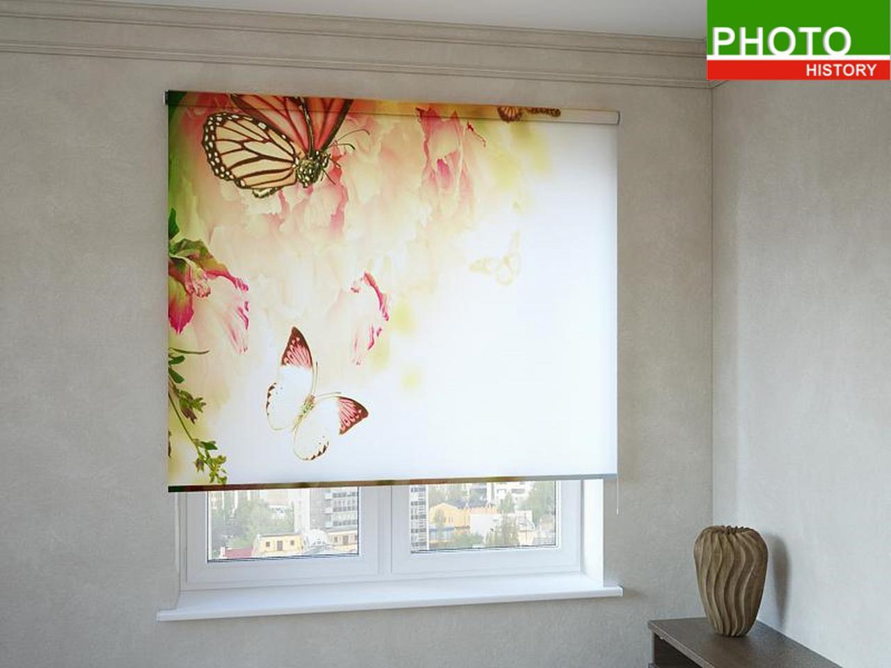 Рулонные шторы с фотопечатью бабочки на пионах