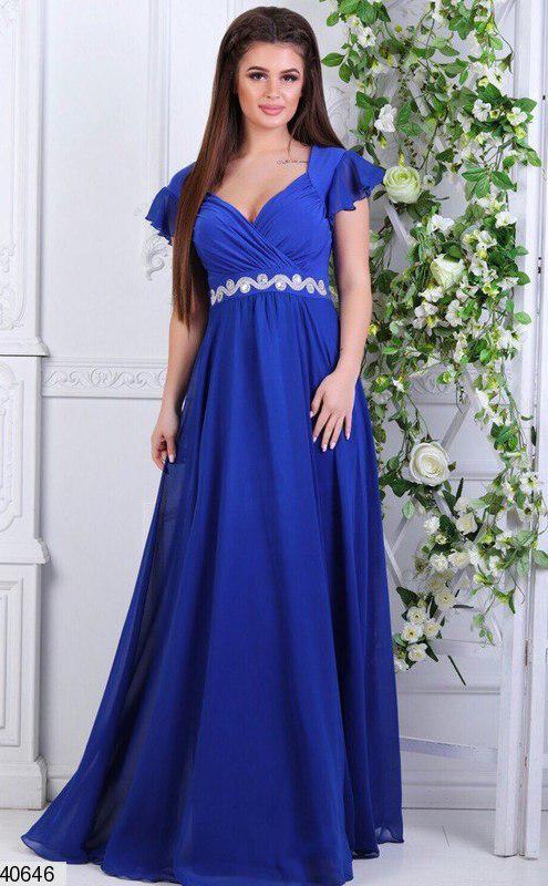 Красивое платье от груди свободное в пол декольте глубокое со стразами электрик