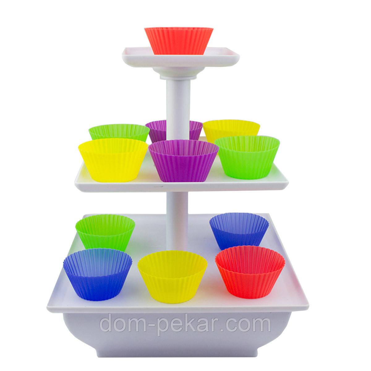 Стойка 3-х этажная для кап-кейков пластиковая