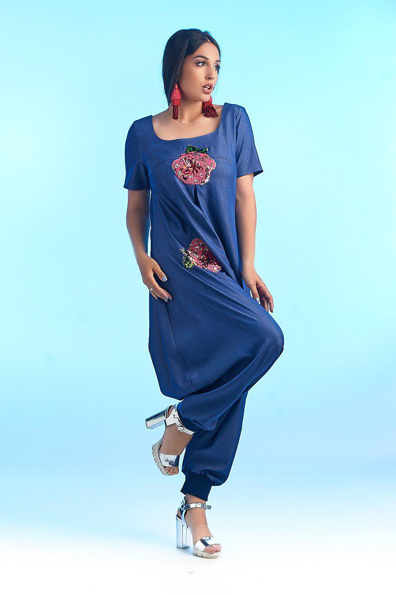 """Летний женский джинсовый комбинезон """"ROSEN"""" с аппликацией и коротким рукавом (большие размеры)"""