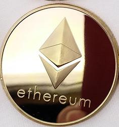 Сувенірна Монета Ethereum золота