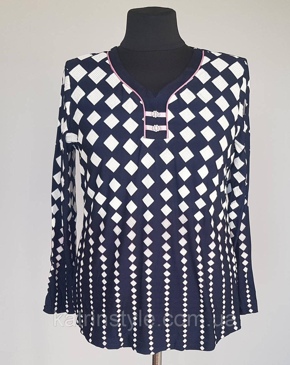 Блуза женская с V-образным вырезом