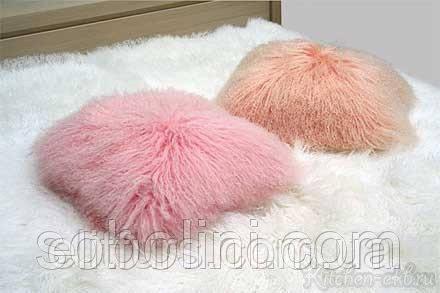 Подушки из меха  ламы, размер 40*30