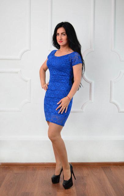 Нарядное короткое платье синего цвета (размеры 44-48)