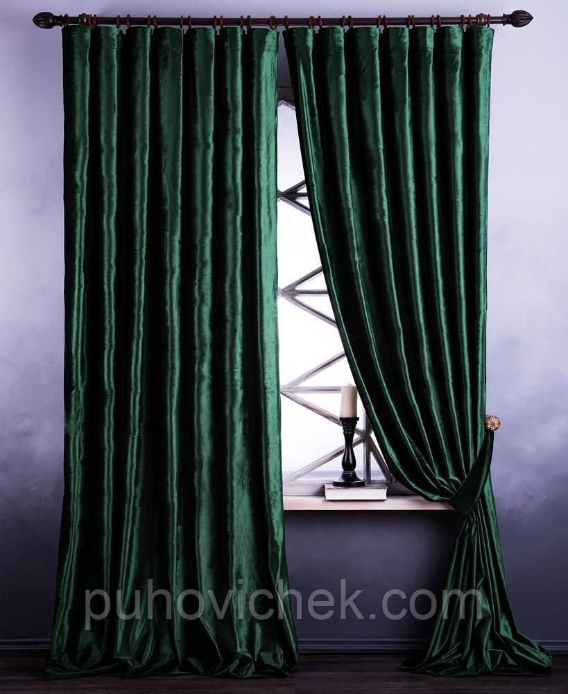 Комплект плотных штор зеленого цвета