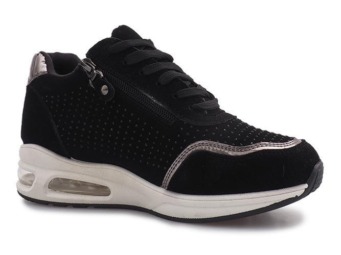 Кроссовки спортивные очень удобные в носке