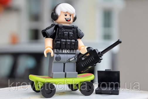 Лего минифигурка SWAT Burne Chen, фото 2