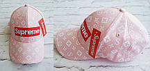 Женская кепка Louis Vuitton Supreme