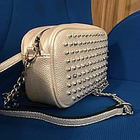 Стильная, яркая светло-серебристая модная сумочка с гранеными заклепками, новый стиль для женщин 2018 года