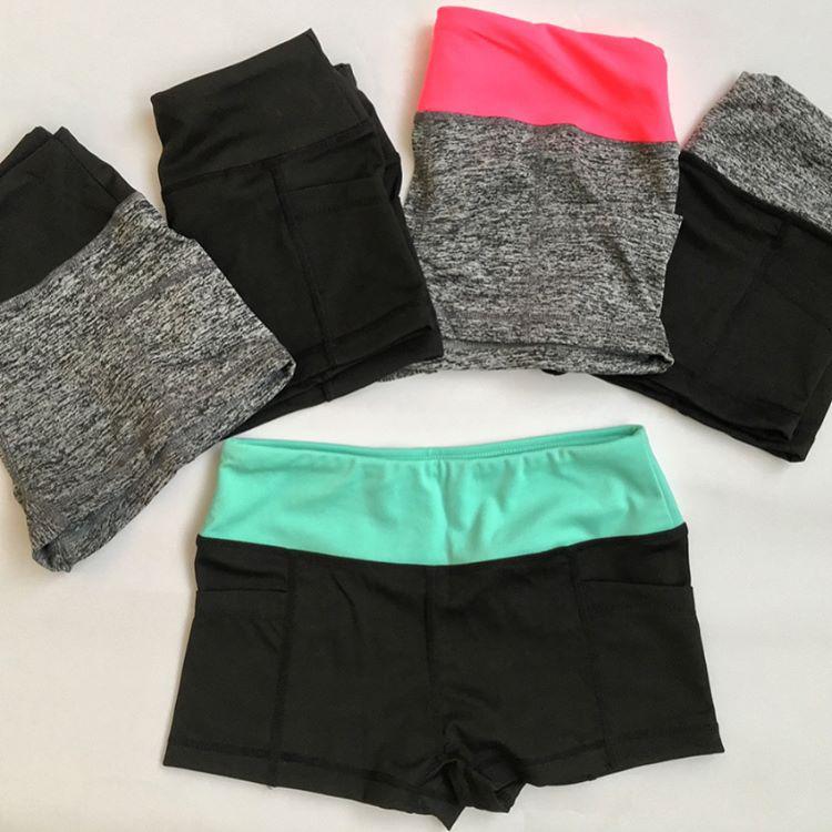 Спортивные шорты для фитнеса