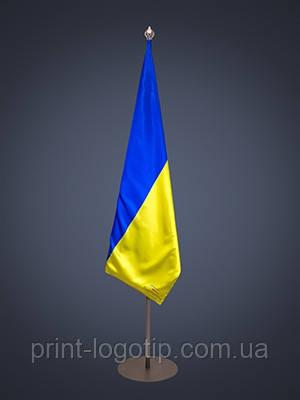 Кабинетный флагшток для флага Киев