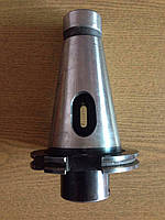 B115009 Втулка переходная с 7:24-40 (DIN2080) на КМ5 для инстр-та с резьб. затяж. хв-ка
