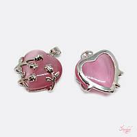 Металлический кулон с розовым камнем сердце в ветках розы 25х21мм серебро для рукоделия, фото 1
