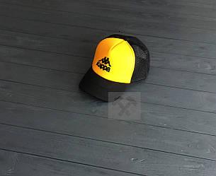 Кепка Тракер Kappa черного и желтого цвета (люкс копия)