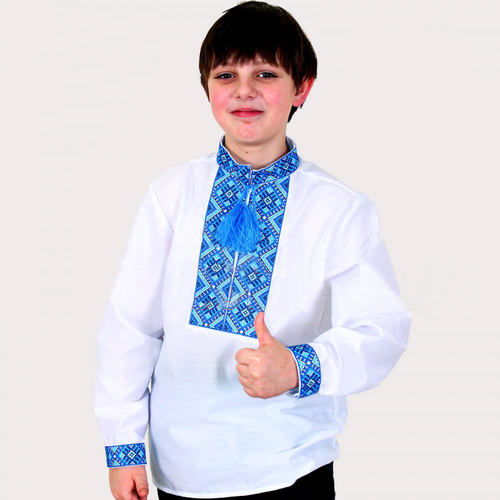 Біла вишиванка для хлопчика Тимофій блакитним орнаментом