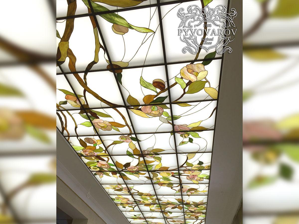 Витражный потолок в каминный зал