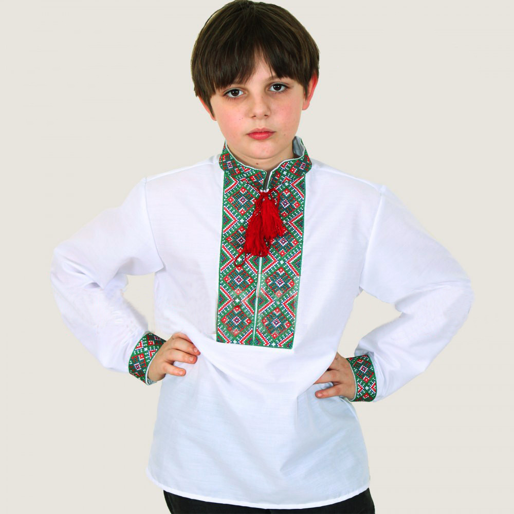 Вышитая рубашка для мальчика Тимофей с зеленым орнаментом