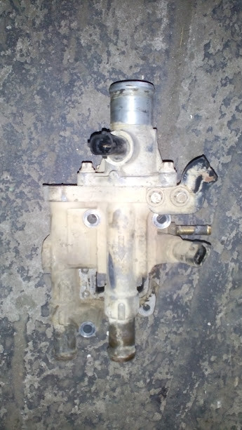 Б/у КОРПУС термостат для Opel Vectra B