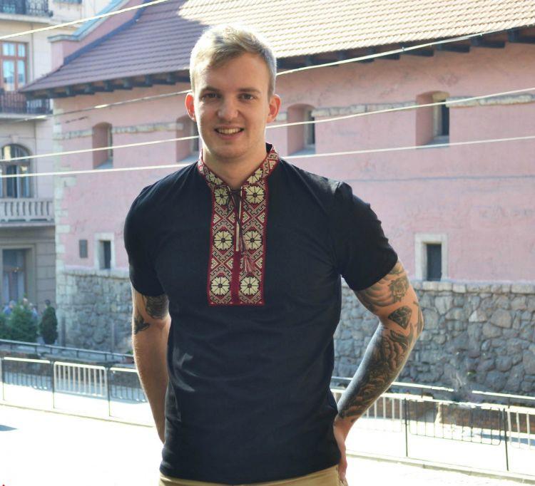 Мужская вышиванка футболка Парубоцька чорна с красным орнаментом FCHK18 / размер S M L XL XXL 3XL